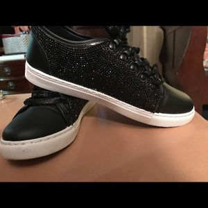Ladies size 9 sneakers with bling